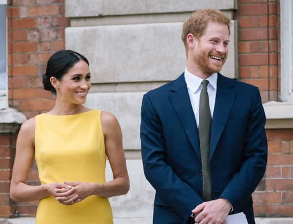 Prince Harry & Meghan Markle Arrive in Sydney for Royal Tour!