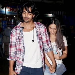 After enjoying a dinner date, Kim Sharma and Harshvardhan Rane walk hand-in-hand - view HQ pics
