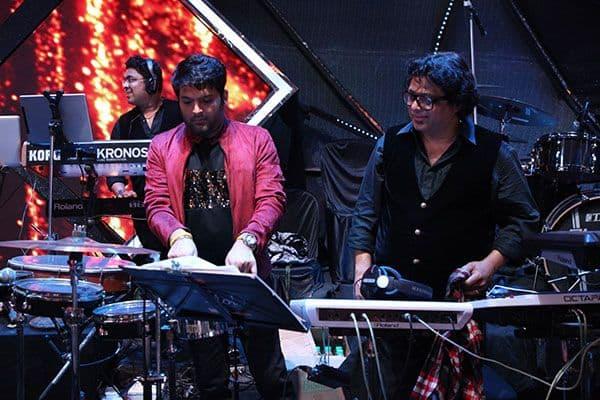 Kapil-Sharma-on-Indian-Idol-10-(4)