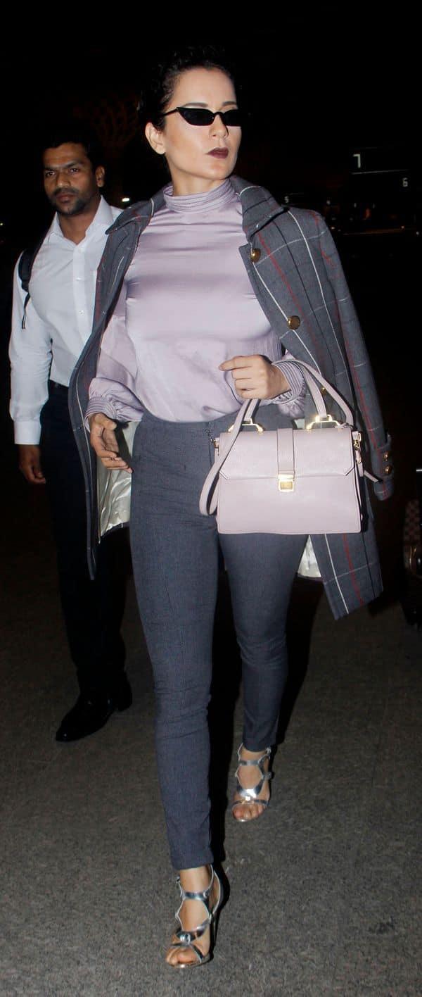 कंगना रनौत ने एयरपोर्ट पर ग्रे-पर्पल रंग की ड्रेस में ढाया कहर