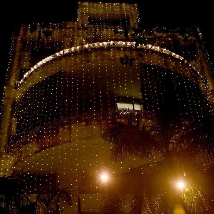 Priyanka Chopra's Mumbai house is lighting in Juhu Pics 3