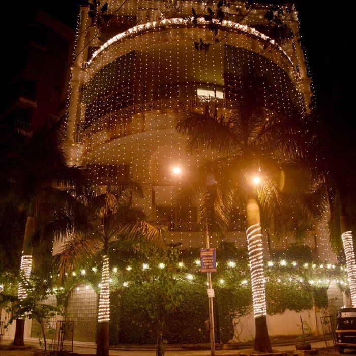 Priyanka Chopra's Mumbai house is lighting in Juhu Pics 4