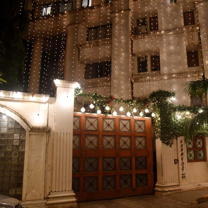 Priyanka Chopra's Mumbai house is lighting in Juhu Pics 6