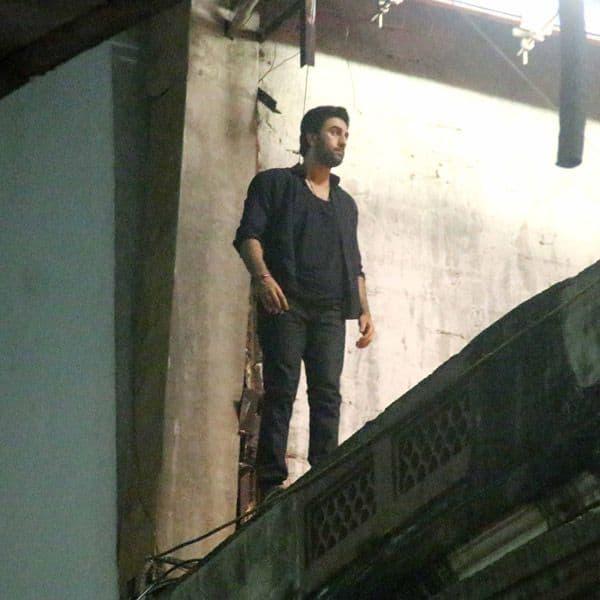 on location photos of ranbir kapoor and alia bhatt shooting for brahmastra
