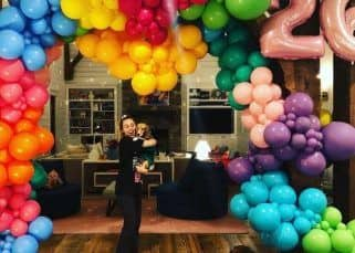 After the California fire, Miley Cyrus rings in her 26th birthday with a beau Liam Hemsworth and a lot of balloons - view pic