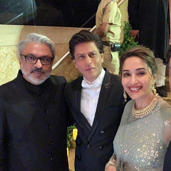 Devdas Sanjay Leela Bhansali: Madhuri Dixit Poses With Her 'favourites' Shah Rukh Khan
