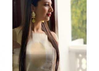 After being called out for copying Sabyasachi, Divyanka Tripathi claps back at Diet Sabya, says, 'NOT ALL CELEBRITIES AND STARS ARE RICH'
