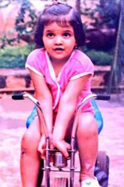 deepika-padukone-riding-bicycle-during-childhood--201601-647214
