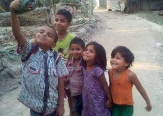 A picture of five kids taking a selfie has got Bollywood celebrities talking for THIS reason - read tweets