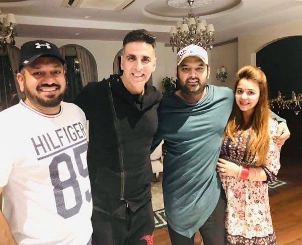 Akshay Kumar pays a surprise visit to Kapil Sharma - view pic
