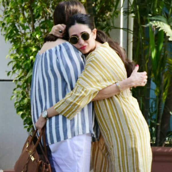 मां को गले लगकर दी जन्मदिन की बधाई