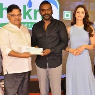 Chiranjeevi donates Rs 10 lakh to Raghava Lawrence's trust at Kanchana 3 event