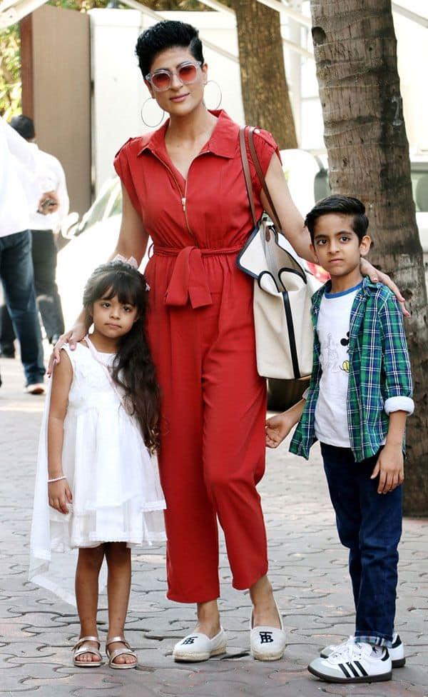 ताहिरा कश्यप भी बच्चों के साथ आई नजर