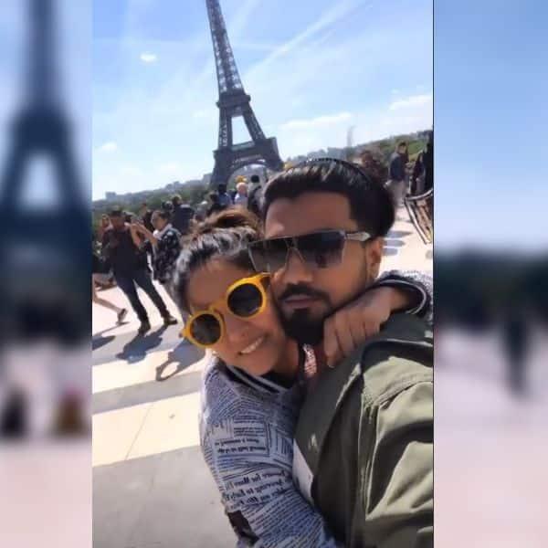 पेरिस में दिखा हिना का रोमांटिक अंदाज