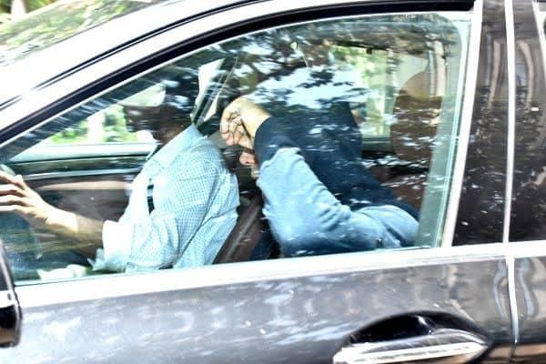 Kartik aaryan visits his Love Aaj Kal co-star Sara ali Khan