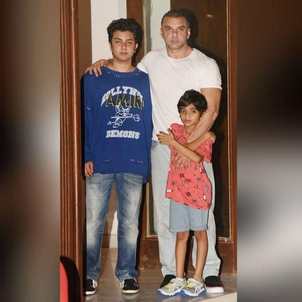 भाई सोहेल खान ने भी बच्चों संग मारी एंट्री