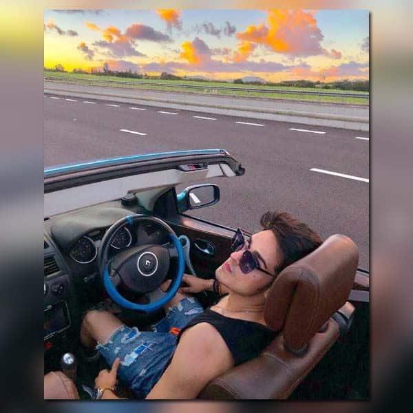 लिया ड्राइविंग का मजा