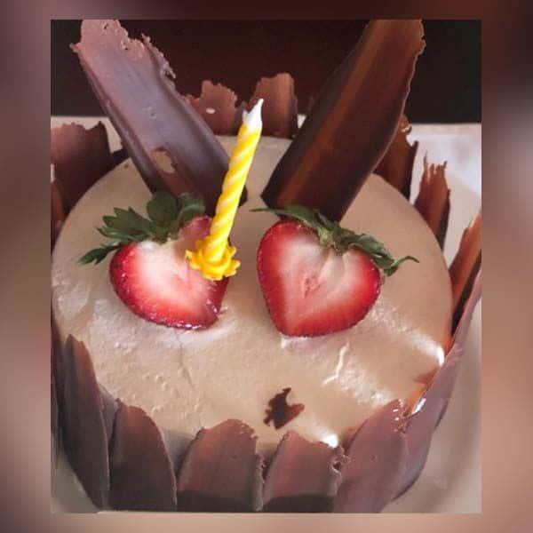 ये रहा दूसरा केक