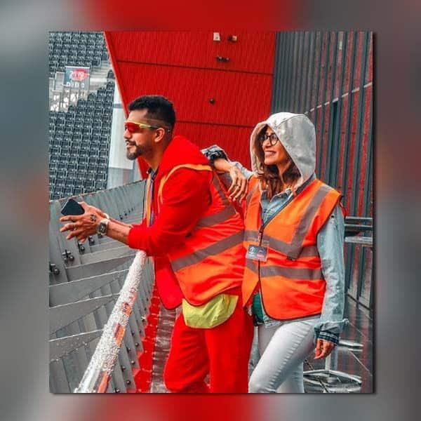 ट्रेफोर्ड स्टेडियम पहुंचा टीवी का हॉट कपल