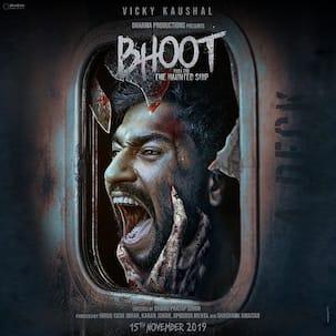'भूत' का पहला पोस्टर हुआ रिलीज, विक्की कौशल इस खौफनाक अंदाज में आए नजर