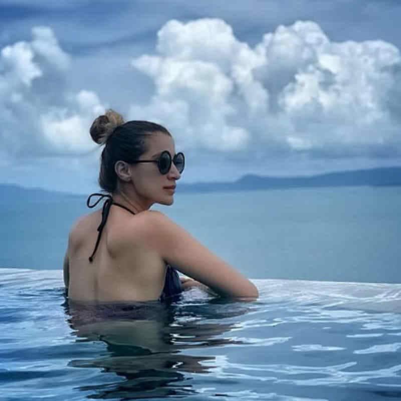 Raai Lakshmi अपनी Bikini Pics से अक्सर बढ़ा देती है फैंस की धड़कनें