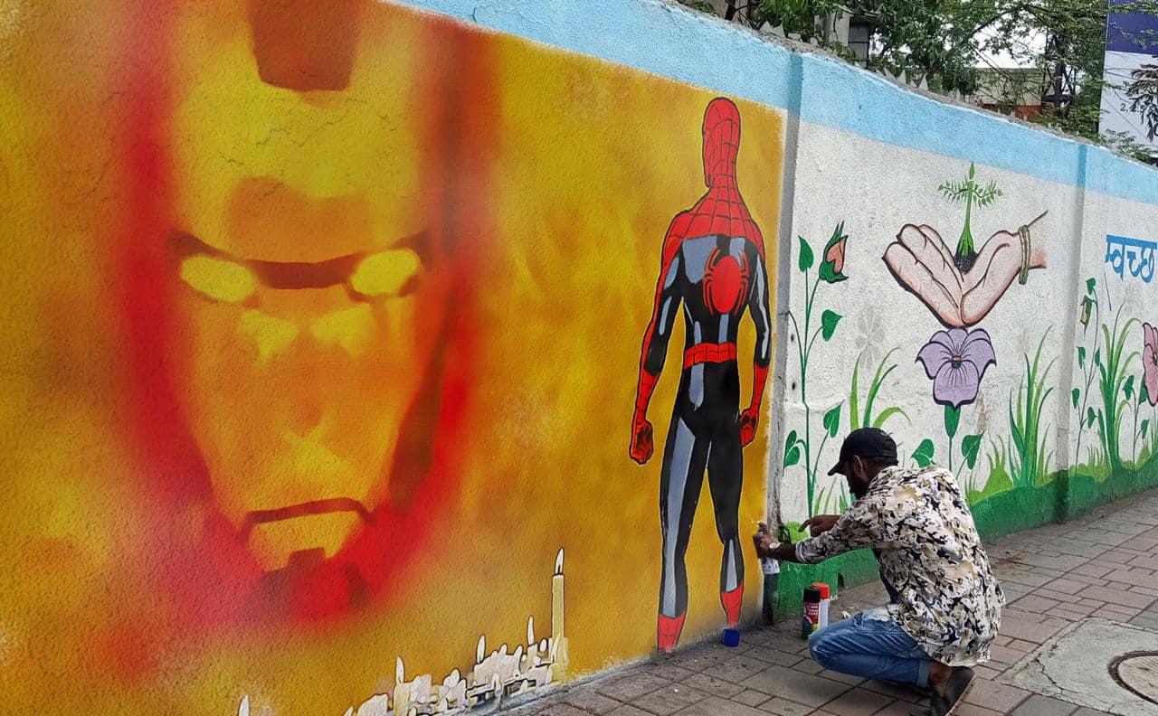Spiderman: Far From Home | Iron Man Graffiti | Tom Holland |