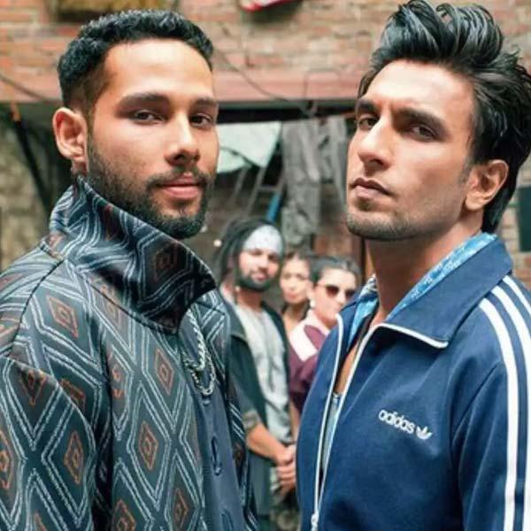 Gully Boy के साथ Ranvir Singh भी हैं आगे
