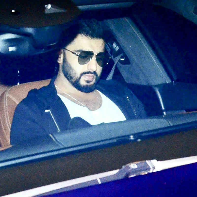 नीली गाड़ी से Ranbir Kapoor के घर पहुंचे Arjun Kapoor