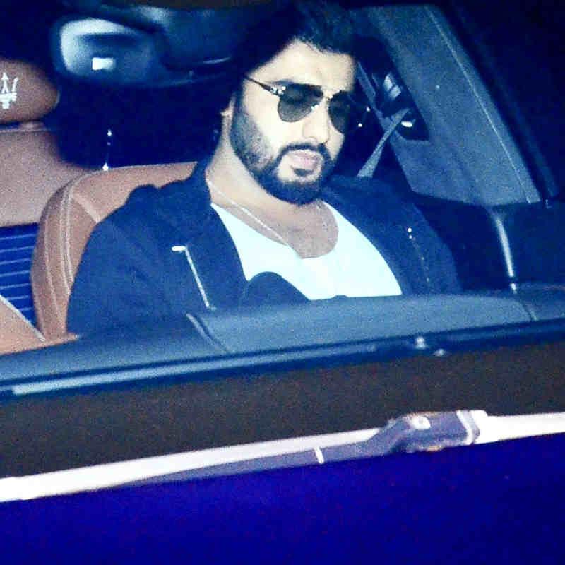 आंखों पर चश्मा ही लगाए रहे Arjun Kapoor