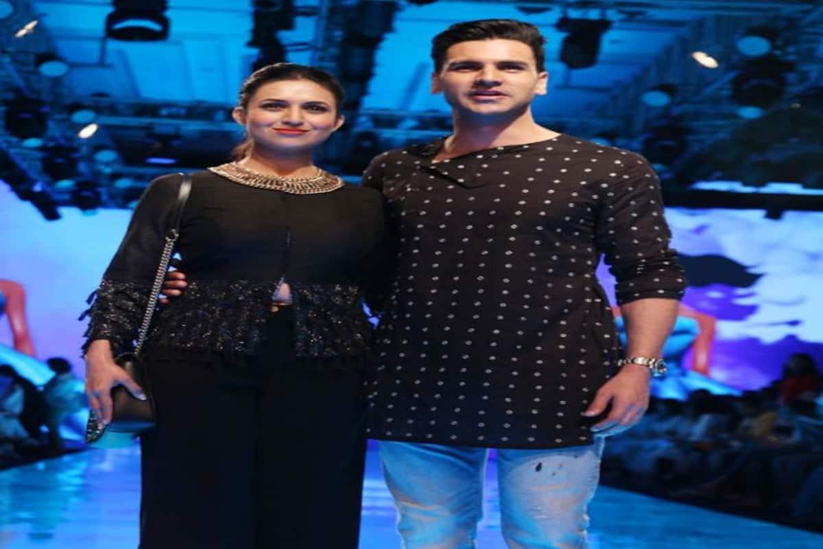 Lakme Fashion Week 2019 Divyanka Tripathi Dahiya And Vivek Dahiya Twin In Black For Designer Kaveri S Show Bollywood Life