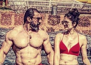 Pooja Batra and Nawab Shah step into the pool wearing swimsuit and we are sweating!