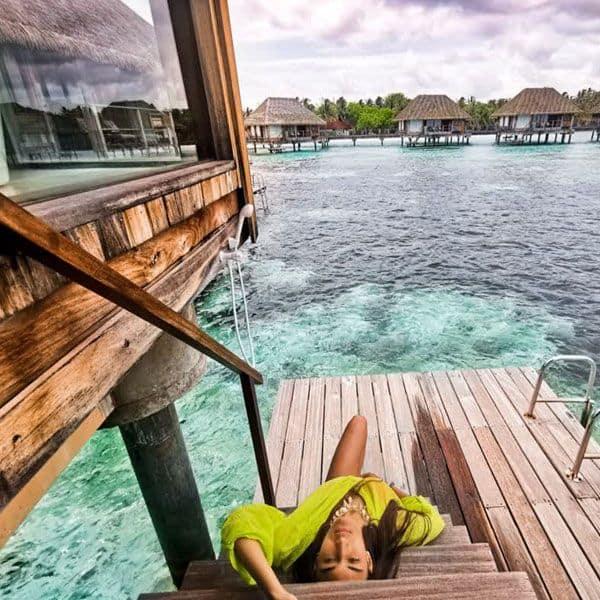 समंदर की गहराइयों में डूबी Erica Fernandes