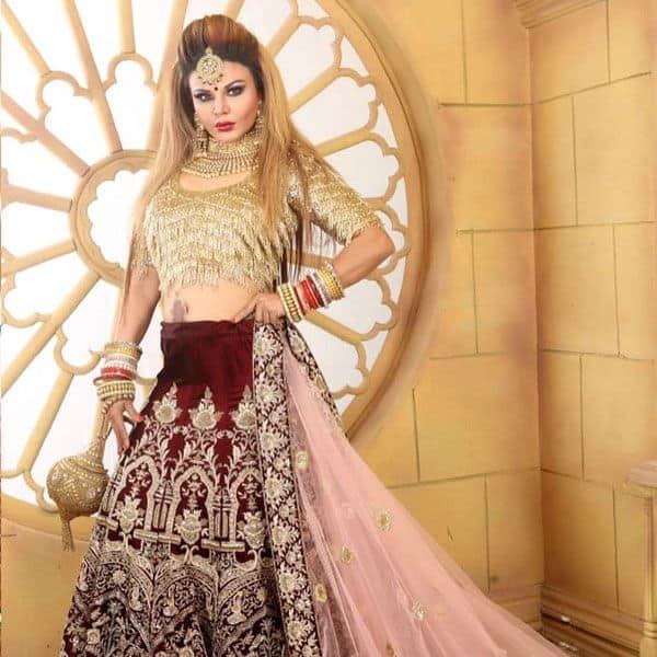 डिजाइनर कपड़ों में राखी सावंत ने लूटा फैंस का दिल