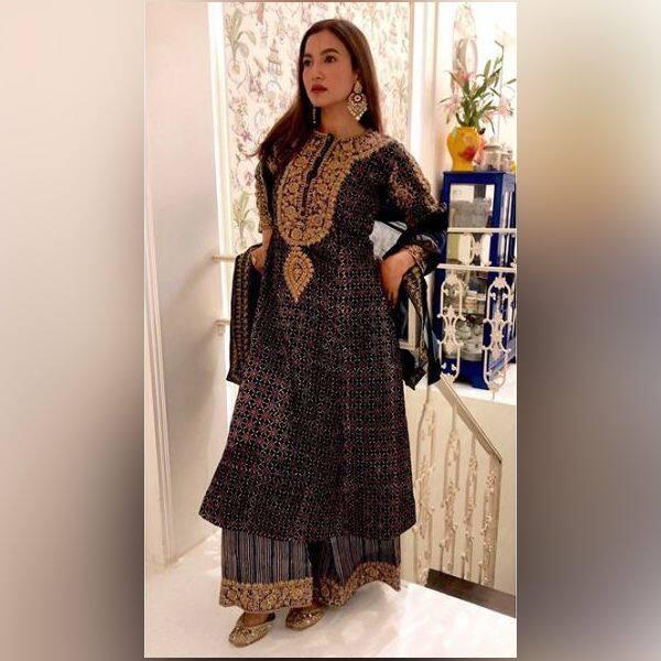 एक से बढ़ कर एक ज्वैलरी कैरी करती हैं Gauhar Khan