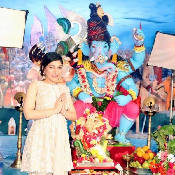 बॉलीवुड की कई फिल्मों के लिए गाए गाने