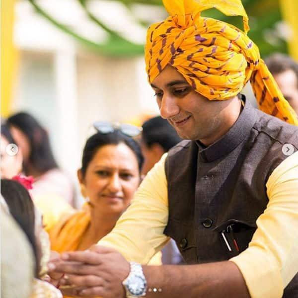 Mohena Kumari Singh ने लगवाई अपने भाई के हाथ से हल्दी