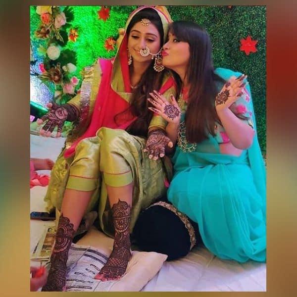राजकुमारी बन शरमाती नजर आई Mohena Kumari Singh