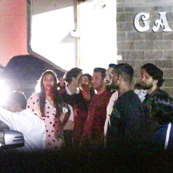 Salman Khan ने दी ग्रैंड रैप अप पार्टी