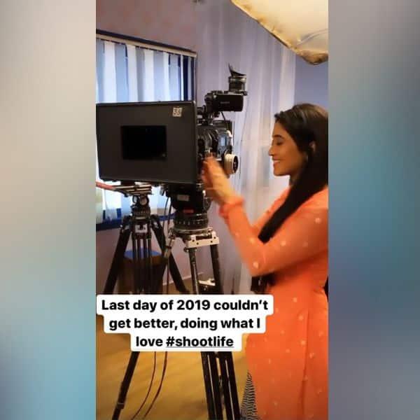 ये क्या कर रही हैं Shivangi Joshi