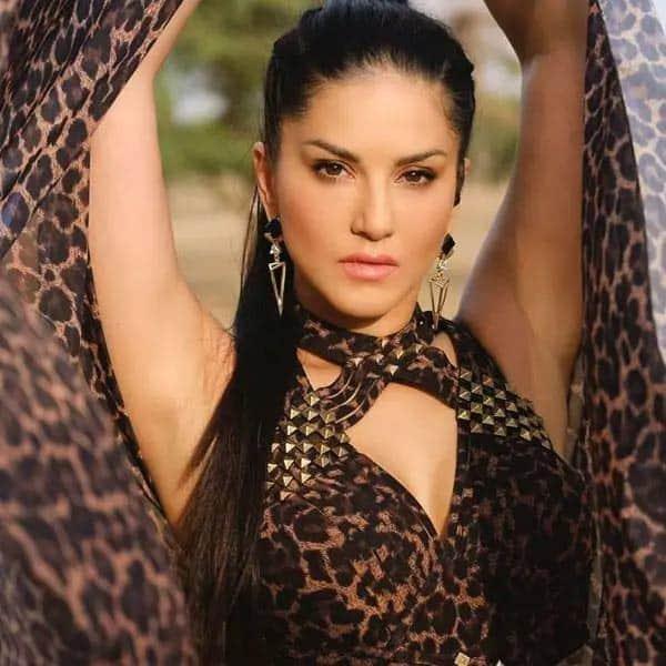 Sunny Leone WallPaper