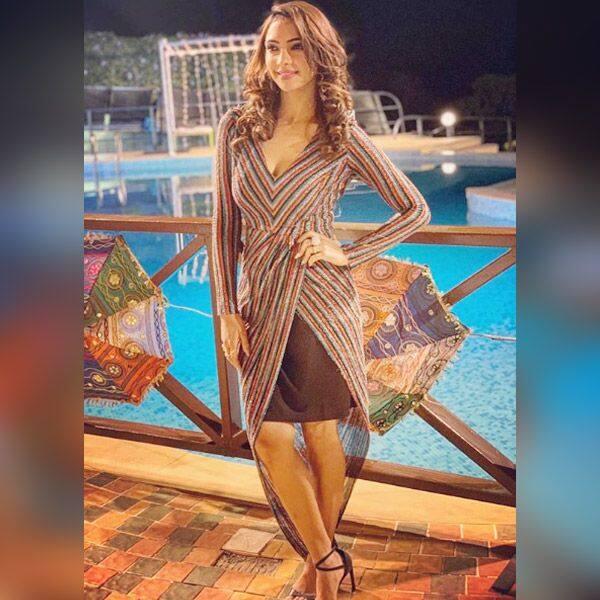 सोशल मीडिया पर काफी एक्टिव रहती हैं Pooja Banerjee