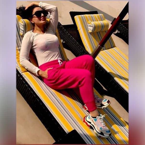 धूप सेंकती दिखीं Ameesha Patel