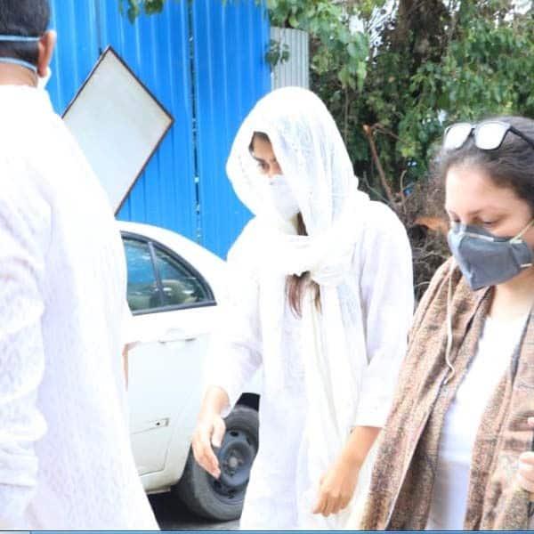 रिया चक्रवर्ती नहीं दे पाई थी सुशांत के आखिरी कॉल का जवाब