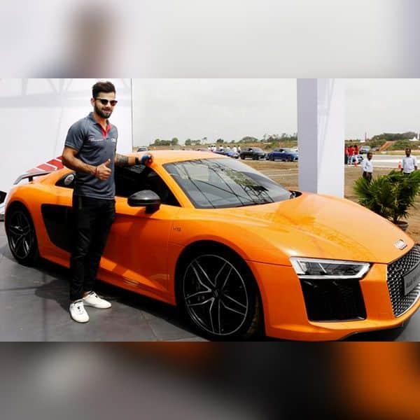 लक्ज़री कारों में Audi R8 V10 भी हैं शामिल