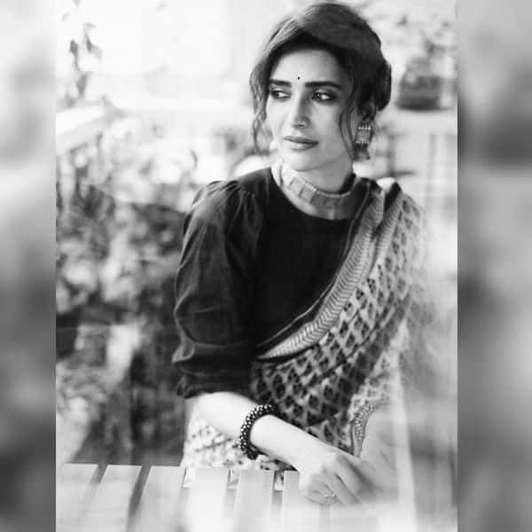 वायरल हो रही हैं करिश्मा तन्ना की तस्वीरें