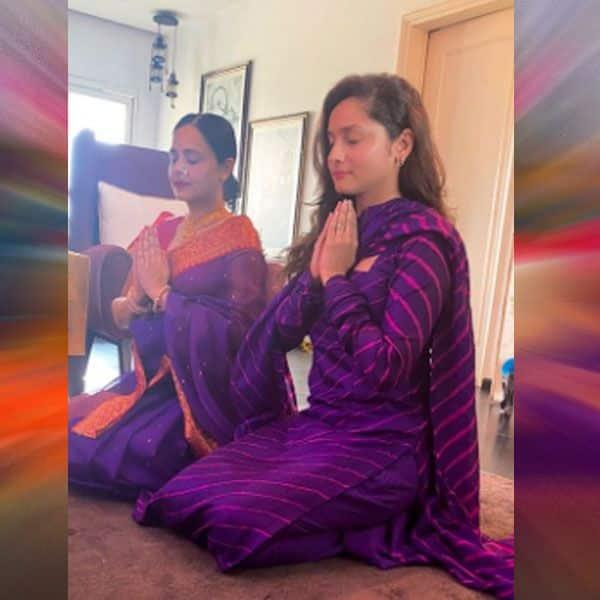 नताशा शर्मा के साथ मिलकर अंकिता लोखंडे ने की प्रार्थना