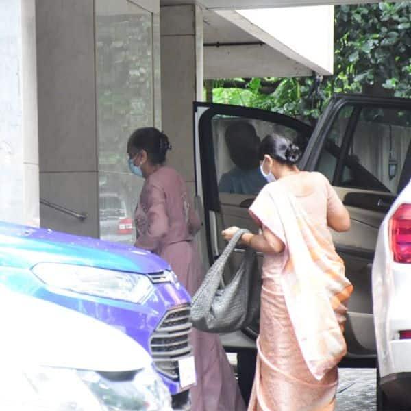 अर्पिता खान के घर पर बप्पा के दर्शन करने पहुंचे मेहमान