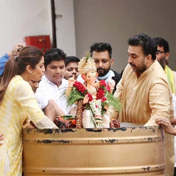 पति राज कुंद्रा ने यूं किया गजानन को विदा