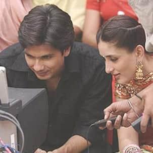 13 years of Jab We Met: Kareena Kapoor shares throwback BTS pic with Shahid Kapoor and director Imtiaz Ali