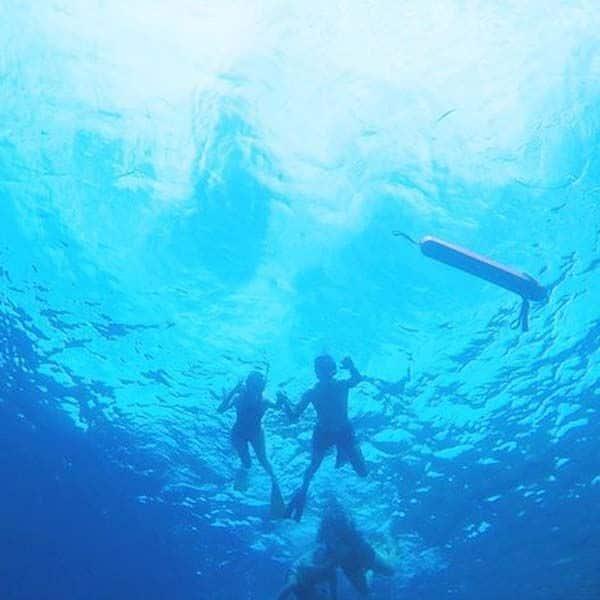 गौतम किचलू संग समंदर की गहराई नापती दिखीं काजल अग्रवाल